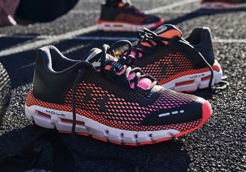 Buty treningowe i sportowe damskie – jakie obuwie dla aktywnych pań?