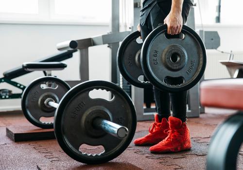 Jak przygotować się do powrotu na siłownię?